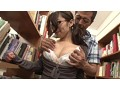 [AP-135] スカートぶっかけ痴漢 図書館で3時間以上勉強している真面目そうな美女のスカートに精子ぶっかけ痴漢で発狂するほど感じさせろ!!