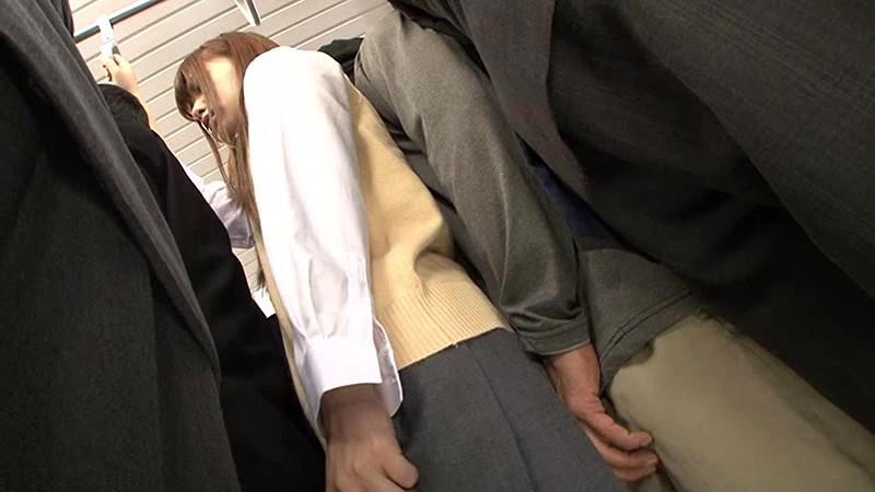 抜かずの3連続中出し痴漢 満員電車で身動きの取れない敏感女子校生を抜かずの3連続中出し痴漢で膣内を精子の熱さでとろけさせろ!! の画像20
