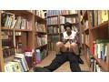 (1ap00215)[AP-215] 図書館ひじグリグリ痴漢 図書館で長時間勉強している内気な美女に本を取るフリして無防備な胸にひじをグリグリと擦りつけてパンツにシミができるほど感じさせろ!! ダウンロード 15