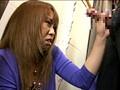 ウブな女子店員にドッキリ企画 ハレンチ試着室 9 サンプル画像1
