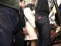 「満員状態の路線バスで欲求不満の専業主婦に正面から股間と股間を擦りつけたら?」 VOL.2 13
