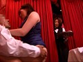 「働く制服美女に見せつけたい!仕事中に熟年セックスを見た(GA/ベルガール/ウエイトレス/バスガイド/介護士)は発情するまで何分?!」 VOL.2 サンプル画像8