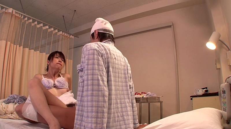 「『おばさんで本当にいいの?』若くて硬い勃起角度150度の少年チ○ポに抱きつかれた看護師はヤられても本当は嫌じゃない」VOL.2 の画像17
