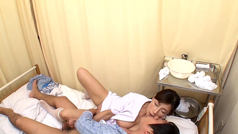 「『おばさんで本当にいいの?』若くて硬い勃起角度150度の少年チ○ポに抱きつかれた看護師はヤられても本当は嫌じゃない」VOL.4
