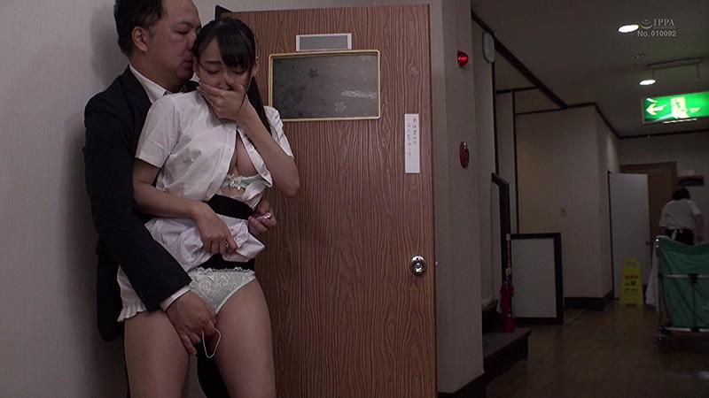 「巨乳だから採用されたパートの内気な奥さんは2人きりになるとセクハラ絶倫店長のいいなり中出し」VOL.1 の画像19