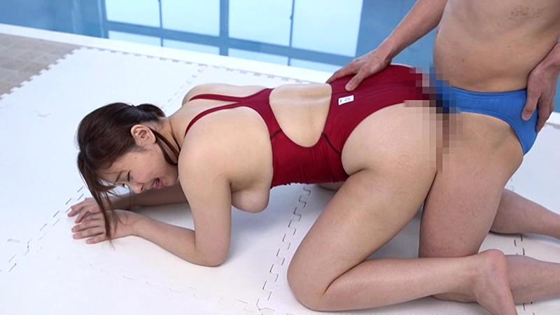 競泳水着の女 小川桃果のサンプル画像10