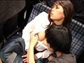 満員バスでうたた寝しているギャルに勃起チ○ポを握らせてみた!! 2