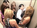 パニック寸前!!突然急停止したエレベーターの密室でギャル5人に無理矢理抜かれちゃいました!! VOL.2 サンプル画像0