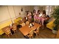 第1回ギャルソンAV企画グランプリノミネート作品 Eカップ以上巨乳ギャルが友達と一緒に喫茶店をOPEN!!どうしよう お客が来ない…そうだHなサービスをつけよう!! 1