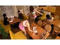 第1回ギャルソンAV企画グランプリノミネート作品 Eカップ以上巨乳ギャルが友達と一緒に喫茶店をOPEN!!どうしよう お客が来ない…そうだHなサービスをつけよう!! 15