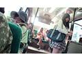 バス通学の色白女子校生を狙う 黒ギャル・ペニバン・イカセレズ サンプル画像0