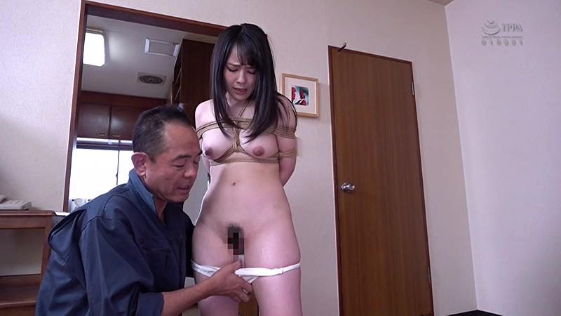 熱々新妻は見せつけられて悶々とした隣の男達に監禁拘束セックス生き人形にされ、夫の前で種付け中出しされる 佳苗るか の画像10
