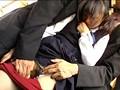 見ず知らずの大人達に、初めてお尻を触られた、バス通学のうぶ女子。 9