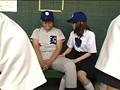 全国大会常連の名門野球部の女子マネージャーは、試合の重要な局面で必ずベンチ裏でそっとヌイてあげ、ナインを万全の状態でグラウンドに送り出していた! 2