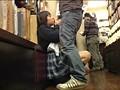 本屋でエッチなレディコミを立ち読みしている女の子のパンティーは実はグチョグチョに濡れて抱かれたがっている!だからどんな男でも声を掛けたら無言でうなずき即OK! 6
