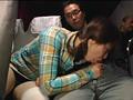 深夜の長距離バスに乗っている遊園地帰りの親も美人で娘もカワイイ、そんな親子に隣りの席から勃起チ○ポ見せつけたら、その時、母は?娘は? 19