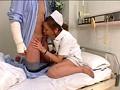最愛の恋人(両腕)を失った(骨折した)童貞の僕は、入院生活で日課のオナニーが出来ずにムラムラして妄想だけで勃起。不憫に思ったのかナースさんが内緒でオナニーを手伝ってくれた! 15