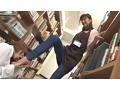 司書の私(レズビアン)が勤める図書館には時々、恥ずかしそうにしながらHな書籍(官能小説、How to本、ヌード本など)を探しに女子がやって来る。 3 9