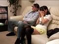 近親相姦!! 父親が年頃の娘と2人っきりでAV鑑賞 12