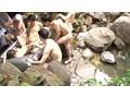 素人お嬢さんが混浴露天風呂でヌルヌル泡泡ボディ洗い体験 3 8