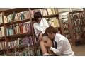 [IENE-513] 図書館失禁痴漢 痴漢に襲われ声を押し殺してガマンしていたら、あろうことかマ○コに即効性の強力媚薬を塗られ何度も痙攣失禁イキさせられた真面目女子校生