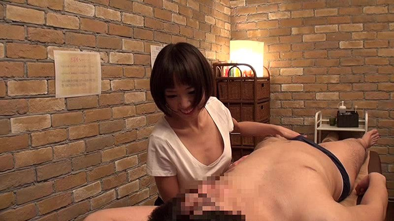horny masseur downblouse seduce guest