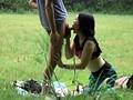 盗み撮り 人妻と青年の青姦不倫 10