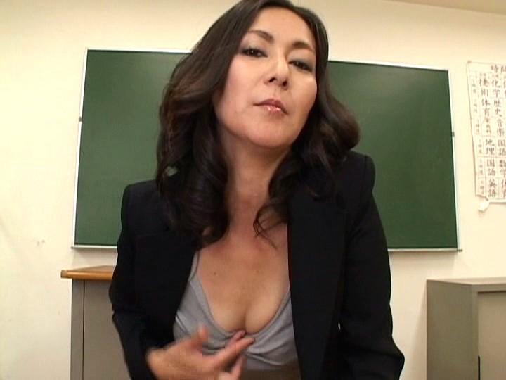 熟女教師の指オナ vol.2 の画像1