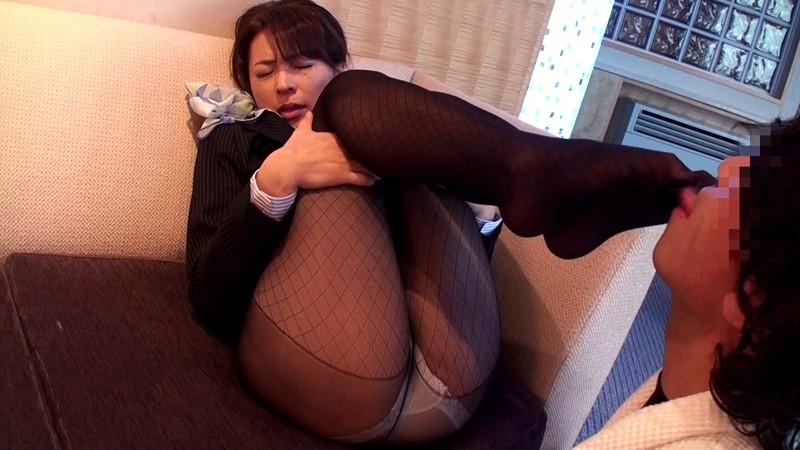 黒ストの似合う熟女 スチュワーデス編 の画像2