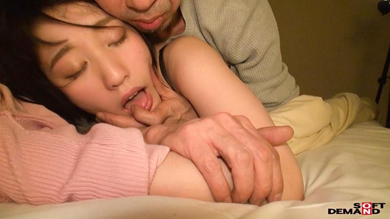 どんな刺激も痛みも笑顔で受け入れる変態ちゃん ドM界の新星 梨々花 AV debut の画像1