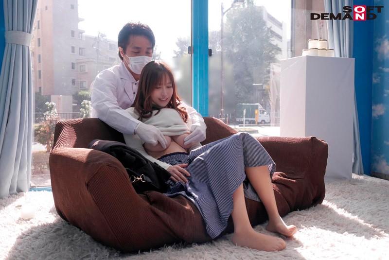 すみこ(26) 元CAの専業主婦 マジックミラー号 お金持ちの奥さんが乳首マッサージで乳首イキ! の画像18