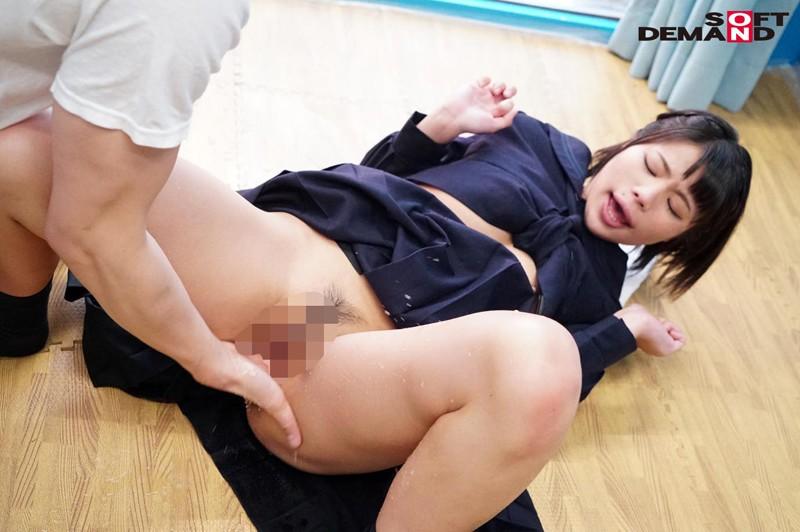 ゆきちゃん(18)女子〇生 マジックミラー号 よだれが出ちゃうくらい気持ちよくなってくれた敏感娘! の画像10