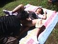 問題:妹の友達が昼寝をしている尻を見ながら思わずオナってしまうと突然!目を覚ましオチンチンを見られてしまいました。妹の友達は驚いたのか?誘っているのか?寝たフリをしています。こんな時どうすればいい!? 3
