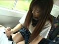 対面座席で脚を絡ませても抵抗しない女子校生はシートに染みがつくほど感じていた 3 10