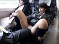 対面座席で脚を絡ませても抵抗しない女子校生はシートに染みがつくほど感じていた 4 12
