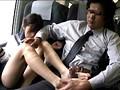 対面座席で脚を絡ませても抵抗しない女子校生はシートに染みがつくほど感じていた 4 6