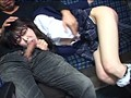 路線バスで読み捨てられたエロ本をパンツ濡らしながら覗き見する眼鏡娘 4
