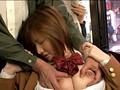 満員バスで無理やりイカされ放心状態の女に尻コキ発射 1