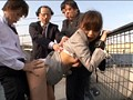 屋上で昼休み中の女子社員を拘束張り付けイカセ放置 20