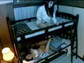 2段ベッドが揺れるほど感じる妹の喘ぎ声を聞いて発情しだす姉 6