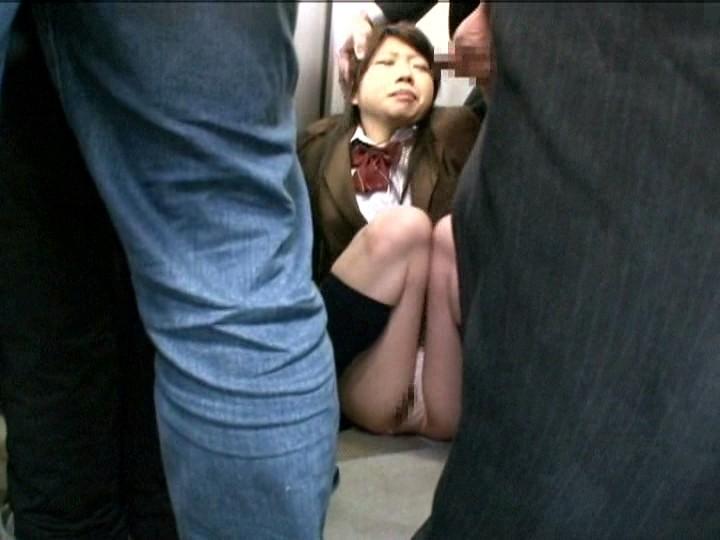利尿剤を飲まされ我慢できずに何度も失禁イキする女子校生 の画像8