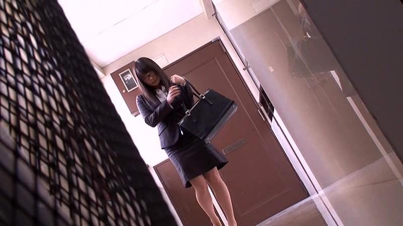 [中文字幕]  喜好戴眼鏡女學生及OL的癡漢