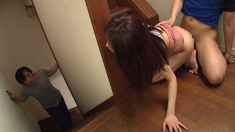 家の中に潜む絶倫少年に…旦那にバレるスレスレで何回もハメられ続けた敏感巨乳妻 2 の画像7