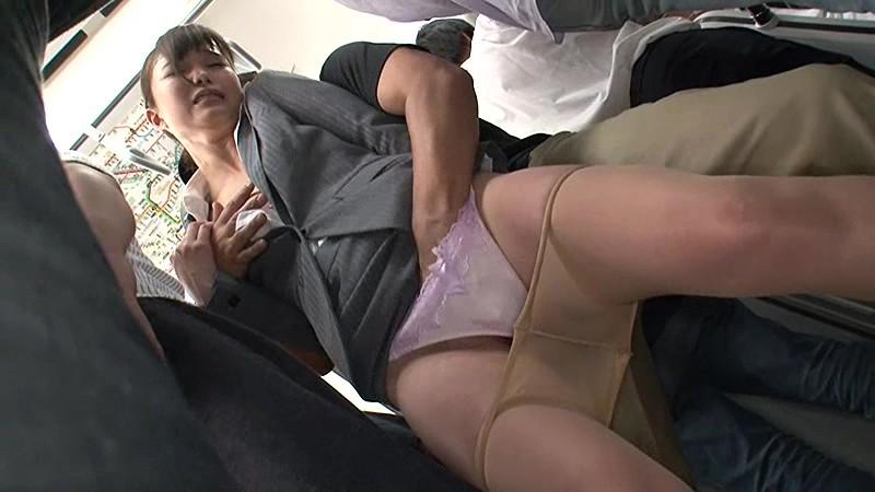 満員電車で痴漢師に潮が出なくなるまで何度もイカされ膝をガクガク震わせながら絶頂する女3 無料サンプル画像・エロ動画(スマホ対応)