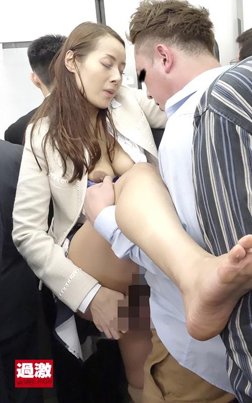 痴漢OK熟女 中出しSP の画像2