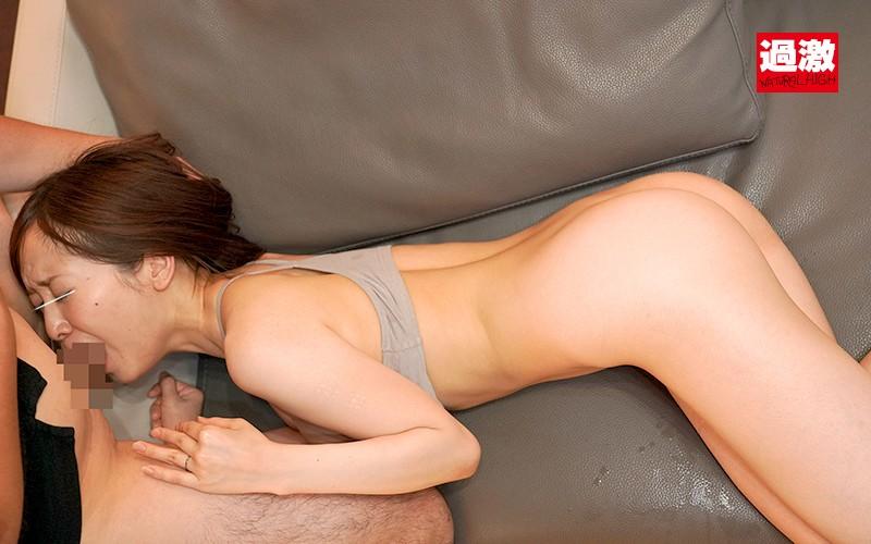 子宮突き専用'側位'激ピストンで隣に住むデカチン男に失神イキさせられた人妻 の画像4