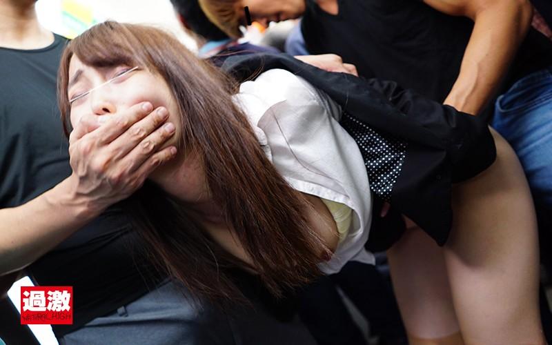 上下同時痴×漢2 2人の痴●師に乳首とマ○コを同時責めされイキ墜ちる女 画像20枚