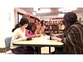 世界一変態で恥ずかしい挑戦 ~ハイテンション変態女子が厳粛な図書館でドン引き全裸淫語羞恥芸~ サンプル画像3