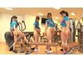 女性インストラクターが男性客を勃起させながら密着トレーニング またがりオマ○コジム 8