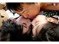 女子○生たちが新作リップのモニターではじめてのベロチュウ体験!大人の濃厚キスでトロトロになったウブカワマ○コにビターなデカチンザーメンをプレゼント! マジックミラー号 (11)